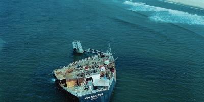 Pix New Carissa wreck