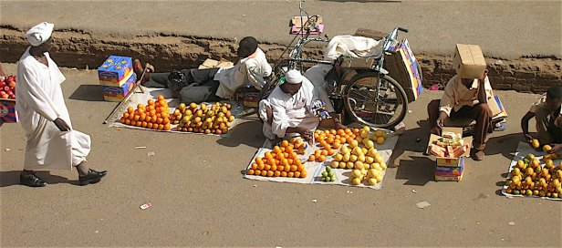 Pix Fruitsellers in Souk el Arabi, Khartoum