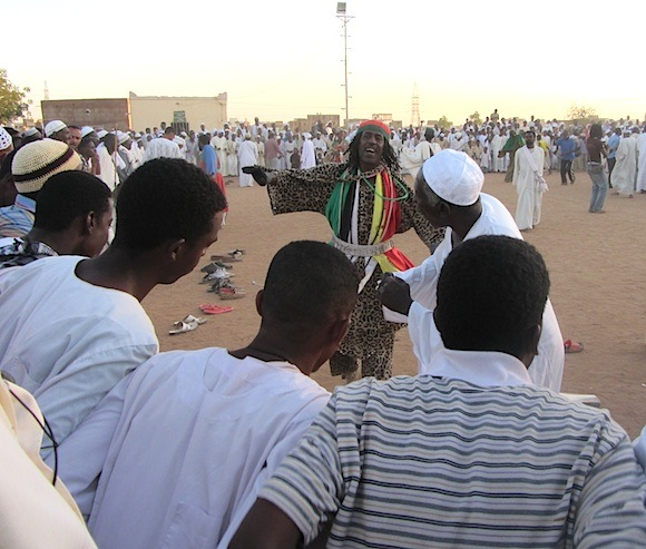 Pix Sufi dancers and worshippers in Omdurman
