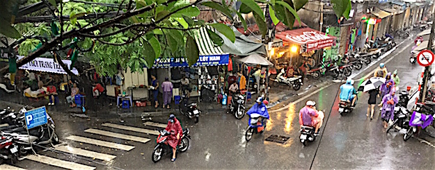 Pix Hanoi in the rain