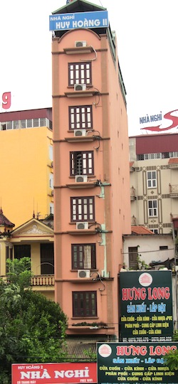 Tall and thin houses in Hanoi –  to beat the tax on the width frontage