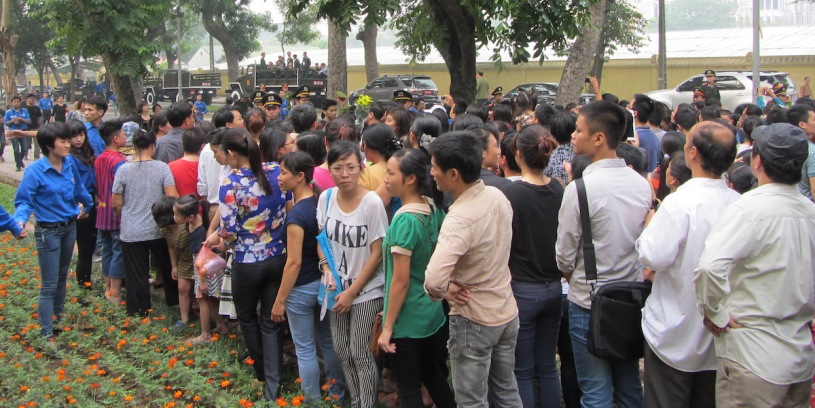 Crowds gather in Hanoi