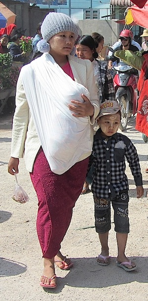 Woman and child in Kalaw