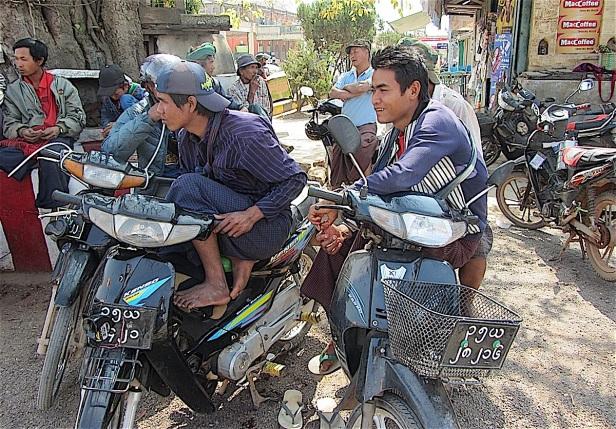 Pix bikers in Kalaw